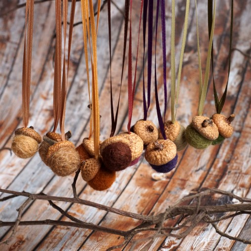 autumn acorn set with satin ribbons