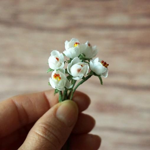 6 Erdbeerblüten - Seidenblumen
