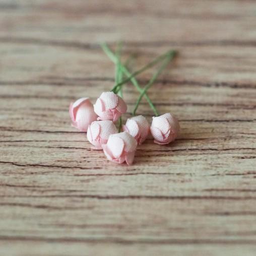 6 roses - miniature...