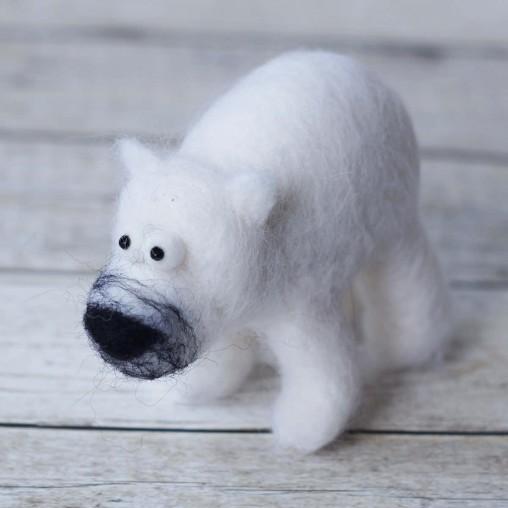 nadelgefilzter Eisbär