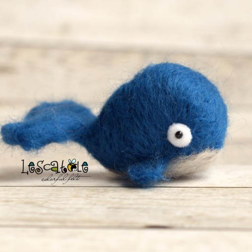 Little whale - needle felted
