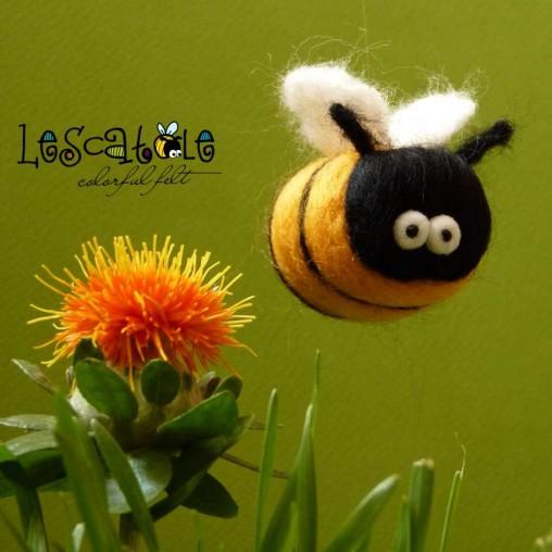 Funny bee - needlefelted